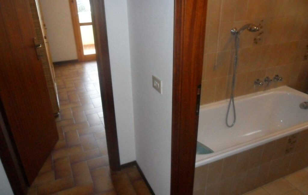 Appartamento 1° Piano Torre del Lago zona lago (11)