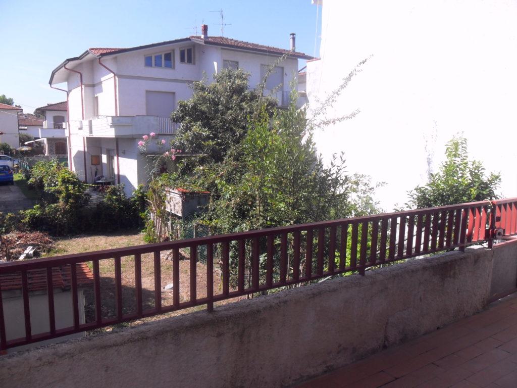 Appartamento 1°Piano con giardino zona mare a Torre del Lago