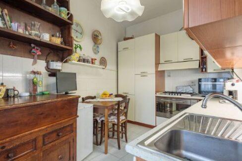 Appartamento II° Piano zona quartiere Versilia a Viareggio (12)