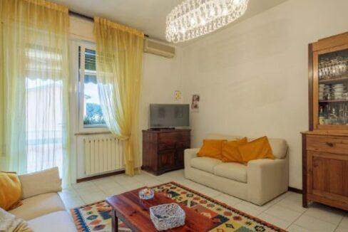 Appartamento II° Piano zona quartiere Versilia a Viareggio (17)
