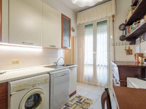Appartamento II° Piano zona quartiere Versilia a Viareggio (4)