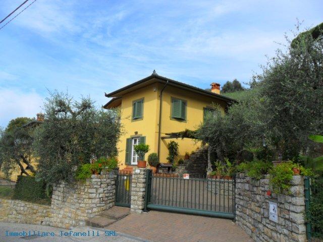 Villa con terreno in zona panoramica a Massaciuccoli (2)