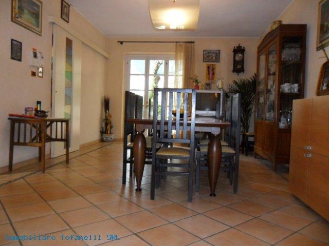 Villa con terreno in zona panoramica a Massaciuccoli (20)