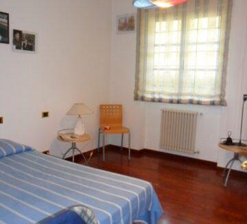 Villa con terreno in zona panoramica a Massaciuccoli (24)
